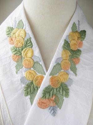 刺繍半衿・アプリコット