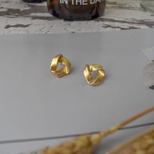 [0003]matte gold