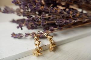 Lavender 半フープピアス