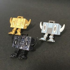 ラジカセ型ロボット〈ラジボ〉タックピン