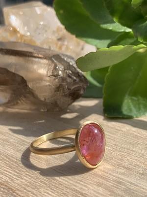 【medusa series】ベトナム産非加熱ピンクサファイアの指輪 A