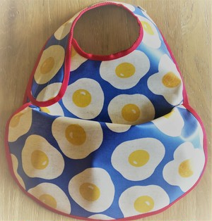 osyokuji apron【F-short】【fried eggs / red】