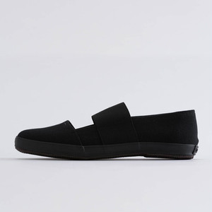 PRAS-COMFY SLIPPERS   KURO×BLACK