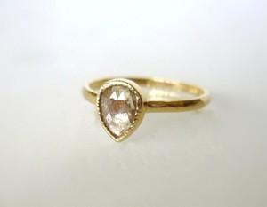 ナチュラルダイヤモンドの指輪(ベージュ)