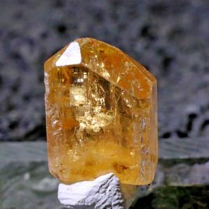 インペリアルトパーズ 原石 オーロプレット産 itp19691196