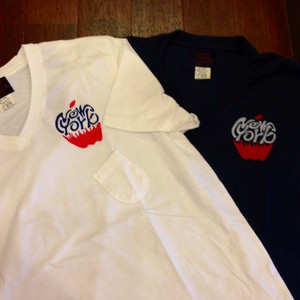 "SUNNY SPORTS / サニースポーツ | 【超特価SALE!!!】 "" APPLE "" V POCKET T-SHIRTS"
