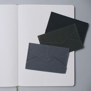 不思議素材のカードケース。