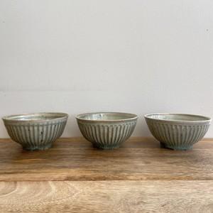 くるり窯 緑灰釉 しのぎ飯碗