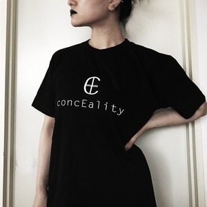 concEality ロゴ Tシャツ