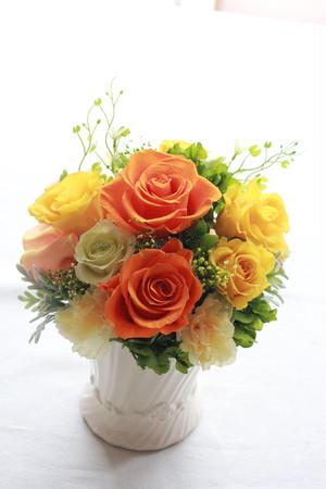 プリザーブドフラワーアレンジ お祝品、贈答品として人気シリーズ ロゼフルール M フレッシュイエロー