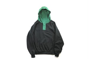 Mountain Parker Sweat BLK