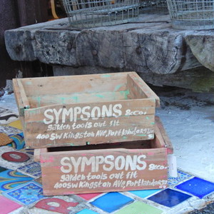 WOODEN SPOOL BOX SYMPSONS