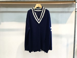 "insonnia""lettered V-neck knit navy"""