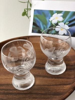 プルメリアのガラスのおちょこ