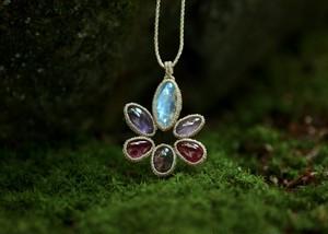 蓮の花 ネックレス