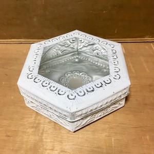 アルミBOX六角形 ホワイト