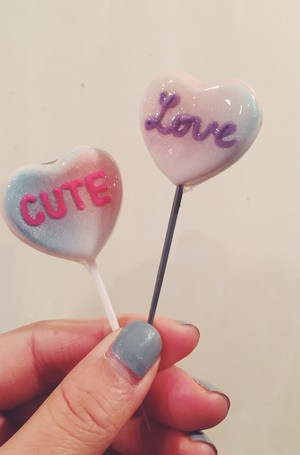 "cukr - ""w heart lollipop brooch set"""