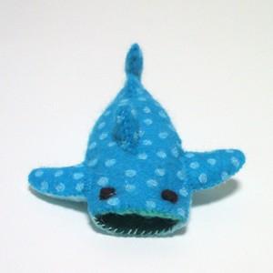 ジンベエザメ(濃い水色)