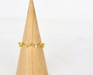 Zigzag lady ring