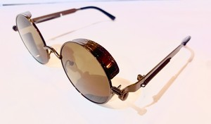 クラシカル ビクトリアンサングラス。 Classy Victorian Glasses