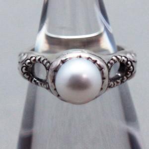 ar10真珠のピンキーリング