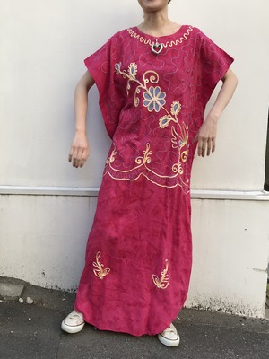 Vintage Indonesia pink tie-dye ×floral  code embroidery dress( ヴィンテージ インドネシア ピンク コード 刺繍 ワンピース )