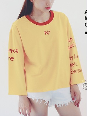 【tops】Bell sleeve letter print contrast t-shirt