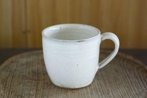 白釉マグカップ