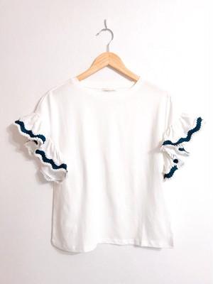 袖プリーツフリルのカットソー ホワイト