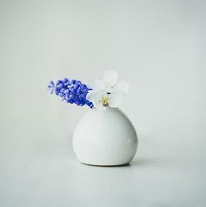 手のひらサイズの一輪挿し 花器 陶器