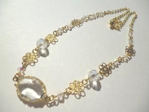 フレームストーン・カットガラス・メタルパーツのネックレス〈n254〉