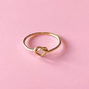 【発売記念割引+ネックレスプレゼント】人生に愛を引き寄せる  真鍮製「幸せをつかむハートのピンキーリング」