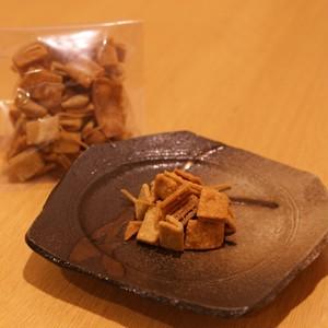 おいしい揚げ蕎麦 (石臼挽き蕎麦粉を使ってじっくり揚げました)