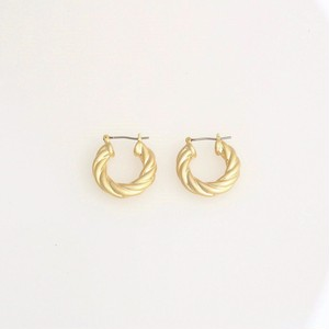 Twist Hoop Pierce