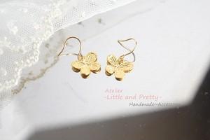 (14kgf)「蝶」*輝くゴールドパーツピアス(イヤリングへの変更可能)