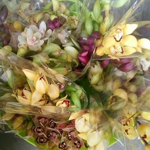 【訳あり】シンビMIXのミニ花束