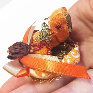 バレンタインのちびっこ宝石竜ブローチ【オレンジショコラ・薔薇リボン】