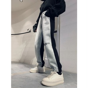 knee logo black loose pants