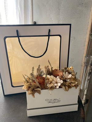 【Mother's Day】BAG in BOX (ドライフラワー)