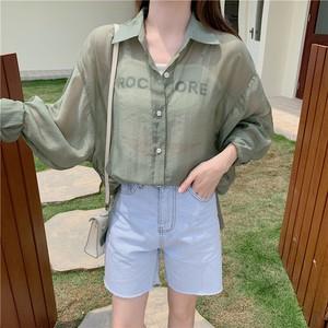 春のバックデザインシアーシャツ