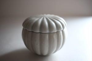 若菜綾子|彫り蓋物 A