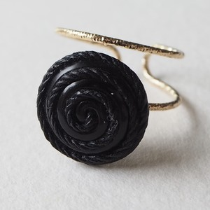 303.Vintage button ring