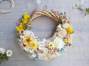 Lune Bonheur<mimosa nature>*ハーフムーンリース*プリザーブドフラワー*お花*ギフト*結婚祝い*新築祝い*お誕生日祝い*母の日
