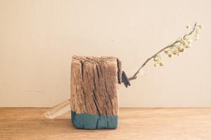 005-01 Branch Vase