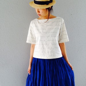 Chinon Original Clothes バックリボン英字プリント綿麻ブラウス