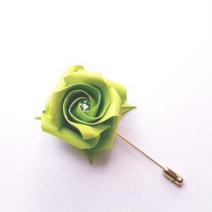 折り紙のバラピンブローチ(色名:黄緑)
