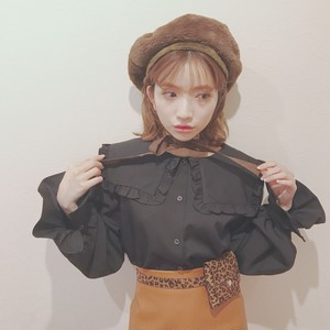 【lottie made】square frill blouse (AT23F1004)