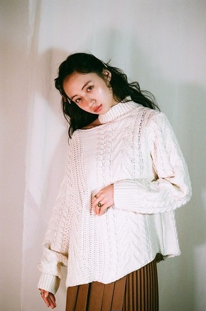 cut off oversize knit
