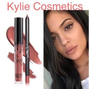 Kylie Cosmetics VELVET LIP KIT BARE