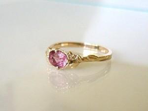 天然ピンクトルマリンと植物の指輪